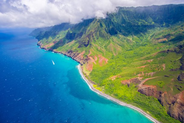 Beautiful views of the ocean and mountains in Hawaii